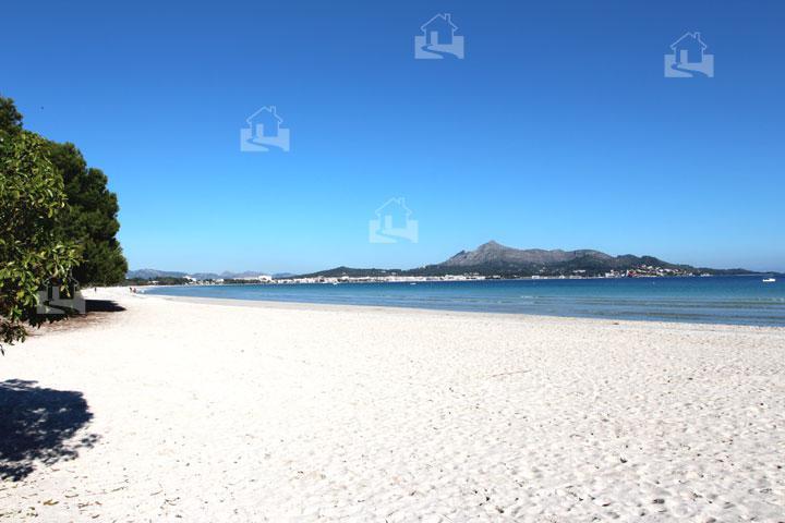 Penthaus in der 1.Meereslinie mit direktem Zugang zum kilometerlangen Sandstrand der Playa de Muro