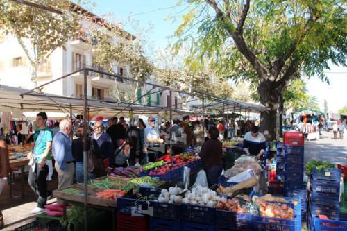 Alcudia Stadt Sonntagsmarkt Mallorca Norden