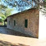 Natursteinhaus in Es Mal Pas wirkt von Außen kleiner als es real ist
