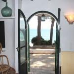 Blick Wohn-Esszimmer auf den Strand