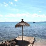 Das blaue Mittelmeer lädt zum Schwimmen ein