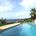 Pool und Küstenblick Cala Pi