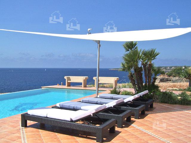 meerblick terrasse und pool 1 meereslinie villa vallgornera nou disayo mallorca immobilien blog. Black Bedroom Furniture Sets. Home Design Ideas